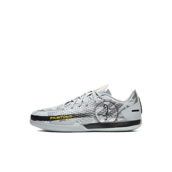 JR Nike Phantom GT Scorpion Academy IC - Pure Platinum/Black/Speed Yellow/Metallic Silver image 1   DA2281-001   Global Soccerstore